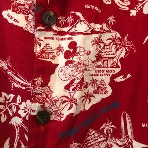 Walt Disney World Trader Micks Hawaiian button up